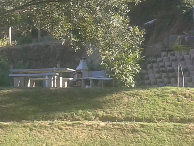 Churrasqueira e parque de merendas
