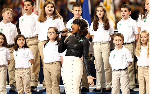 super bowl national anthem 2013 sandy hook Unlike recent super bowl national anthem performances from other musicians, alicia keys opted to play piano while singing the star-spangled banner february 3, 2013 sandy hook elementary chorus singing america the beautiful and alicia keys national anthem makes me proud to be american.