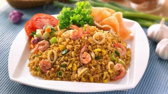 Resep membuat nasi goreng seafood spesial