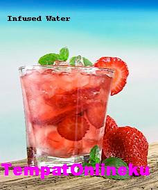 Resep Cara Membuat Infused Water Vitamin Strawberry Mint Mudah