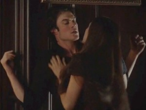 The review diaries for Damon y elena