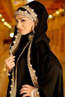 Beautiful-Muslim-girls-Abaya-Islamic-Cloth-Photo-Collection-burka-scarve-dubai-turkish-latest-hijab-Abaya+2012+-+emoo-fashion.blogspot.com-+Latest+Abaya+Trend+Saudi+Burqa+Designs2012+-15