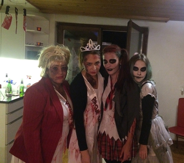 the scary crowd halloween 2015