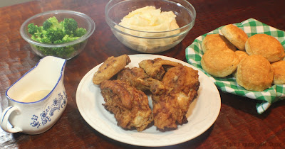 Sunday Supper Meal, fried chicken, mashed potatoes, gravy, broccoli, biscuits