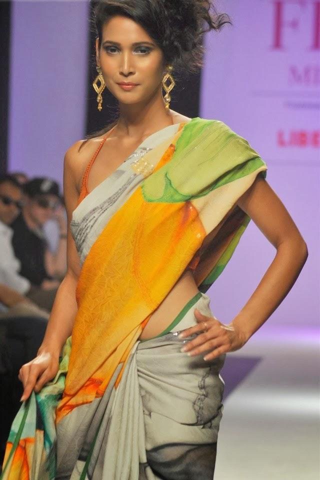 indian women models wallpapers - photo #33