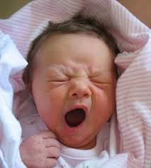 foto bayi lucu mengantuk