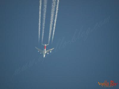 Avion cu teleobiectiv