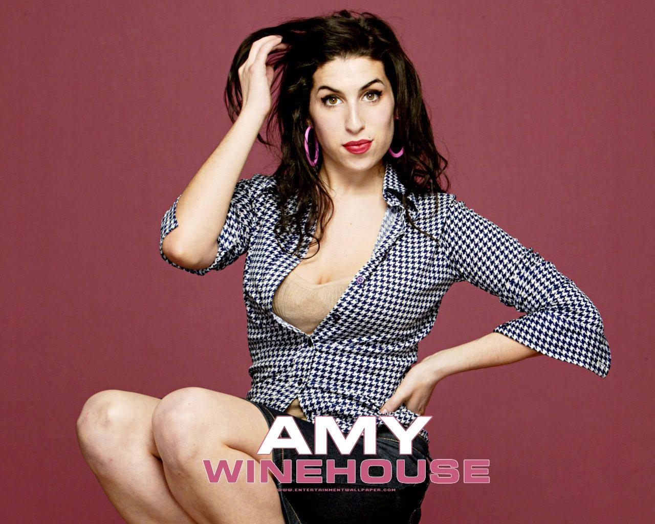 http://3.bp.blogspot.com/-pyEqyEVuiQU/TlaVrkm9I-I/AAAAAAAAL5Q/NShfzV0RVxw/s1600/Amy-Winehouse_01.jpg