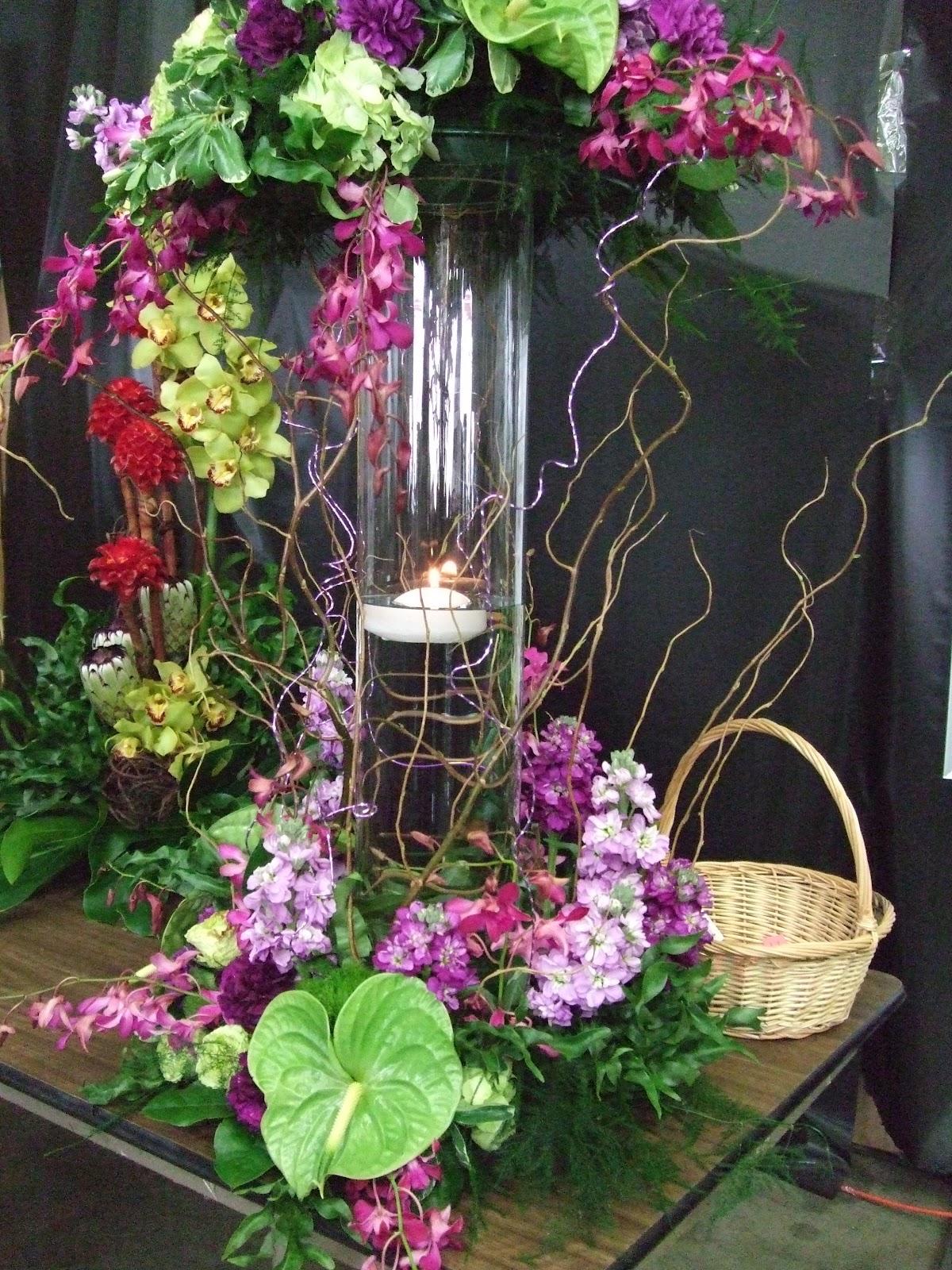 Floral Ambiance By Deborah Di Bella AIFD Oasis Design Show W Loann Burke AIFD 4 22 12