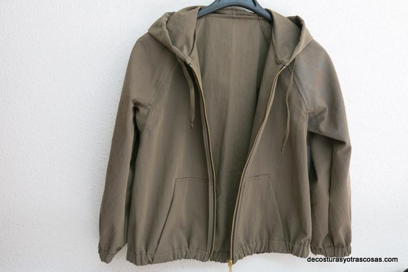 chaqueta ligera con capucha incorporada tutorial