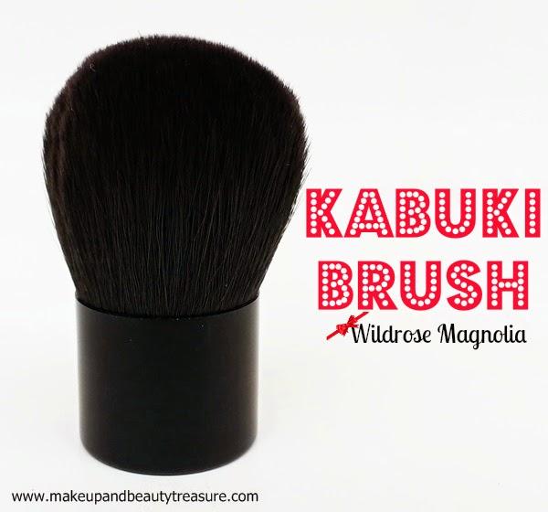 Kabuki-Brush-Use