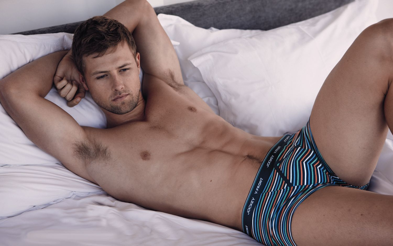 Hombres guapos en ropa interior fotos - imagenes de guapos en ropa interior