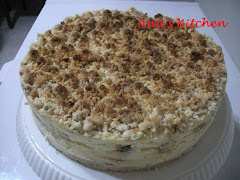 APPLE CRUMBLE CHEESE CAKE