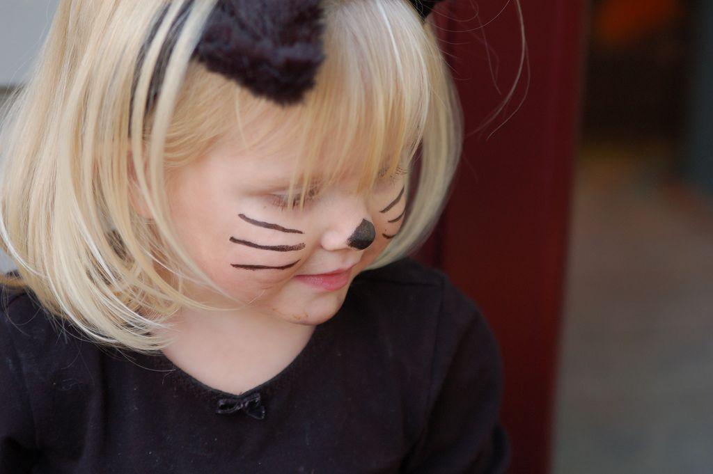 hacer un disfraz de gata para niña fácil y bonito