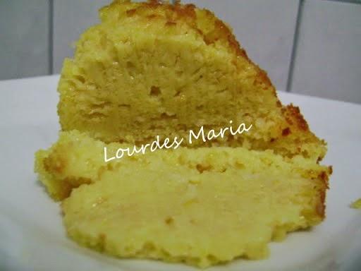 Delícia de bolo, super fácil de fazer com verdadeiro gosto de milho.