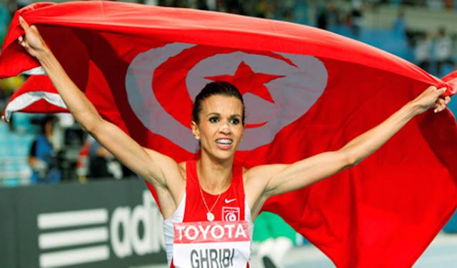 حبيبة لغريبي تفوز بالجائزة المرأة العربية السنوية