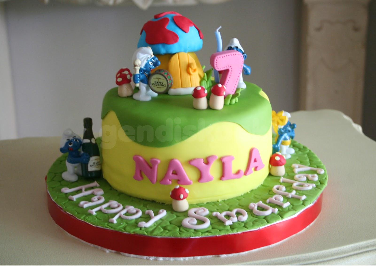 Gendiskoekis Smurf Birthday Cake