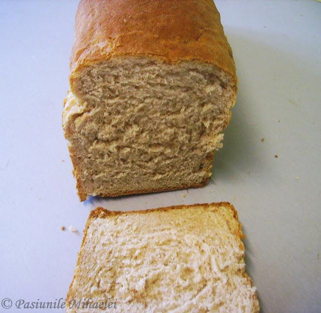 Paine pufoasa pentru sandvisuri, cu faina integrala
