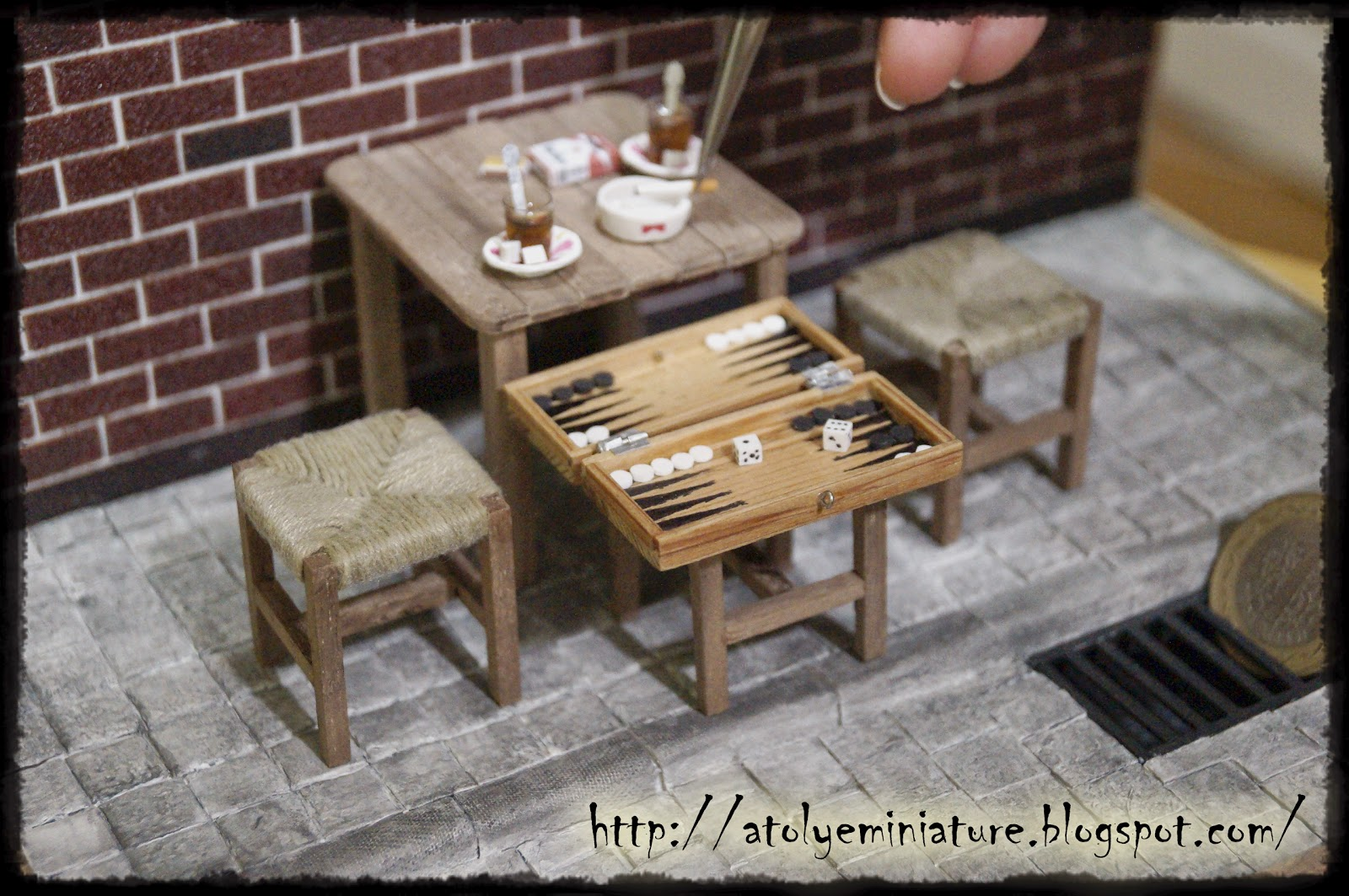 miniature backgammon