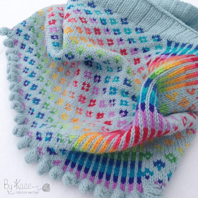 #Bykaae_Bifrost cowl using magic yarn ball in rainbow colours, pattern from Charlotte Kaae, www.bykaae.dk