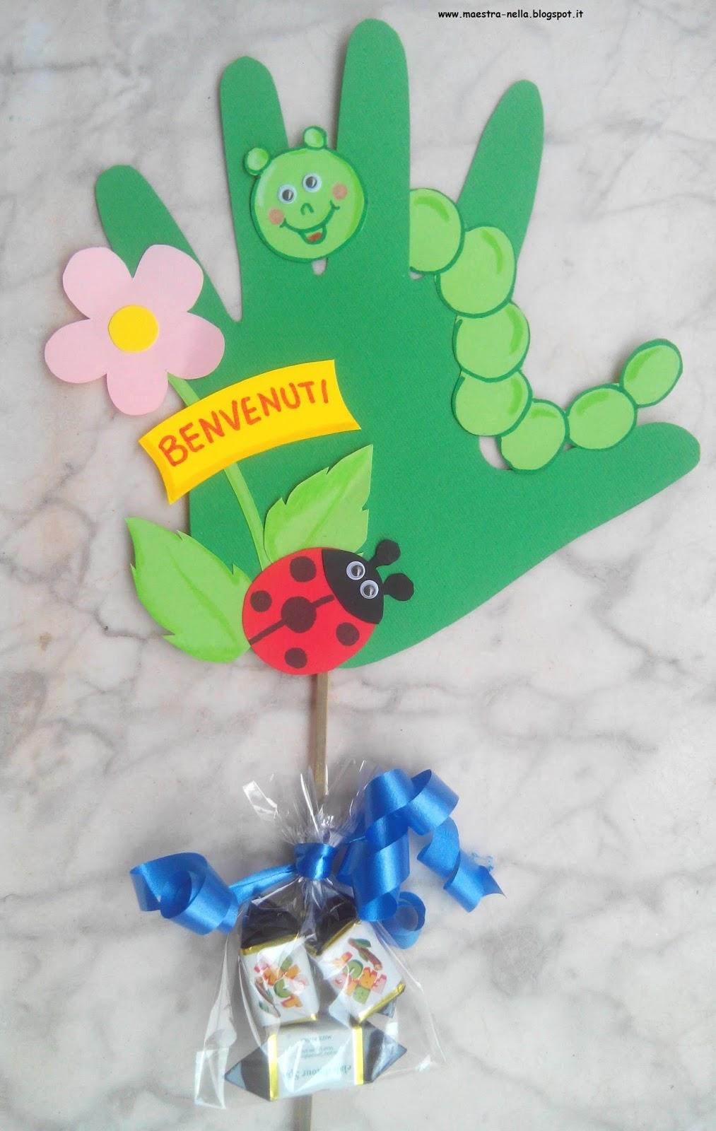 Maestra nella con le mani for Lavoretti accoglienza infanzia