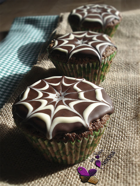 halloween, magdalenas, magdalenas con telaraña de chocolate, magdalenas de chocolate, telaraña de chocolate