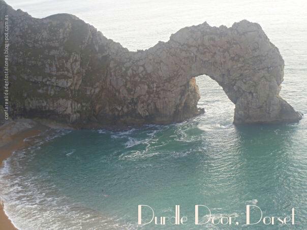Arco de piedra caliza. Durdle Door en Dorset, West Lulworth, Inglaterra