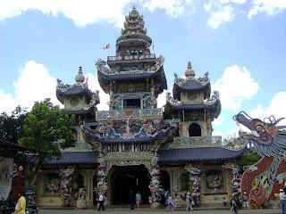 Pagoda Linh Phuoc