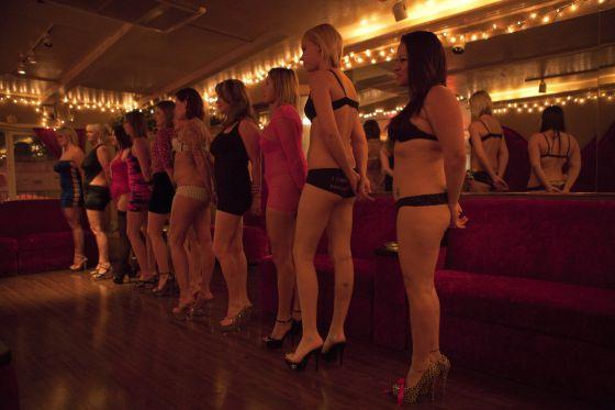 prostitutas jonquera significado de lenocinio