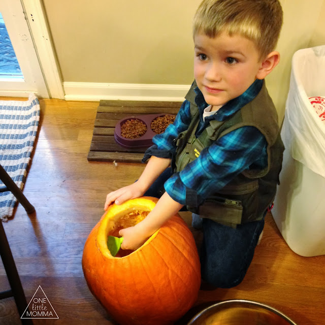 Family fun carving pumpkins with #PumpkinMastersKit   http://clvr.li/pumpkinmasters2013