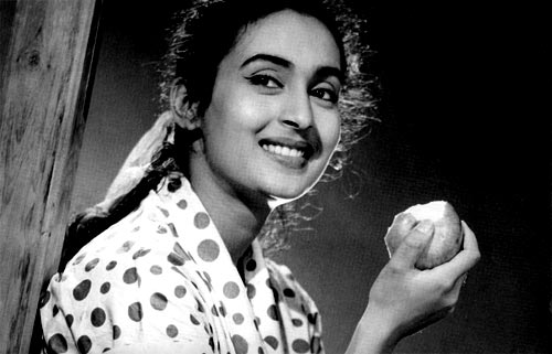 Nutan - (9) -  NDTV Most popular Actresses of all time RESULTS