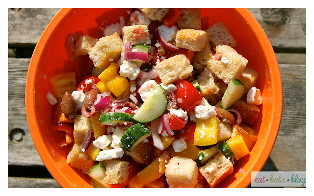 panzanella salad crouton vegetable salad