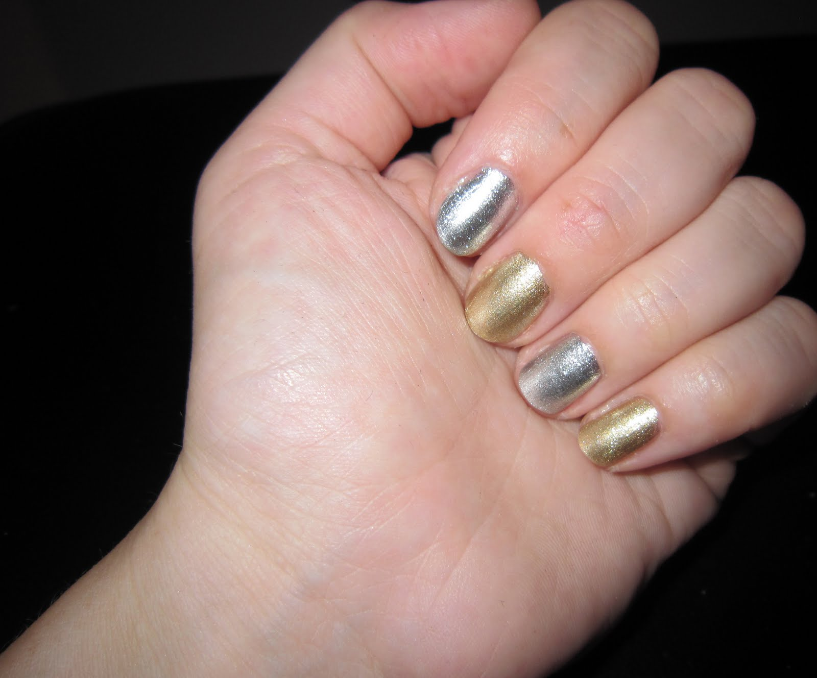 The Beauty of Life: Mani of the Week: Topshop Heart of Gold and ...