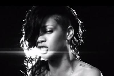 Foto Gaya Rambut Rihanna