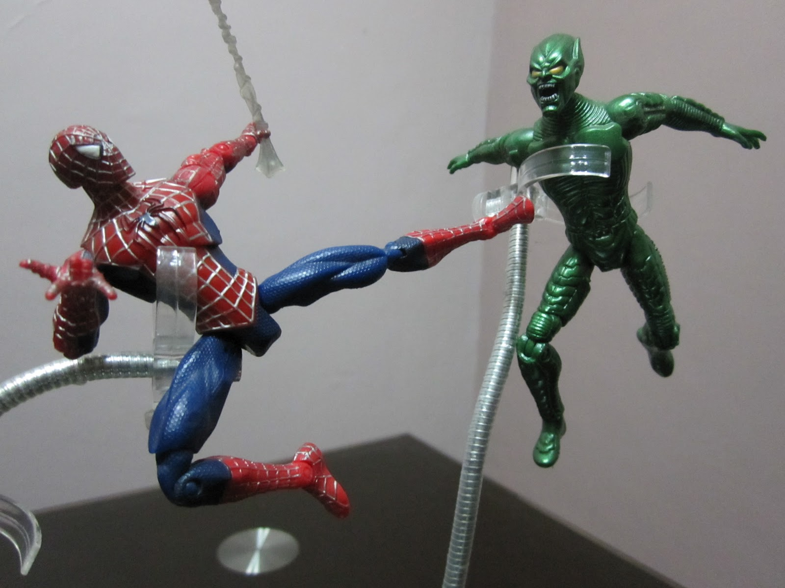spider man v s green g...