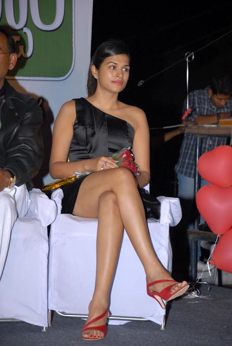 shraddha das new at mem vayasuku vacham movie audio launch actress pics