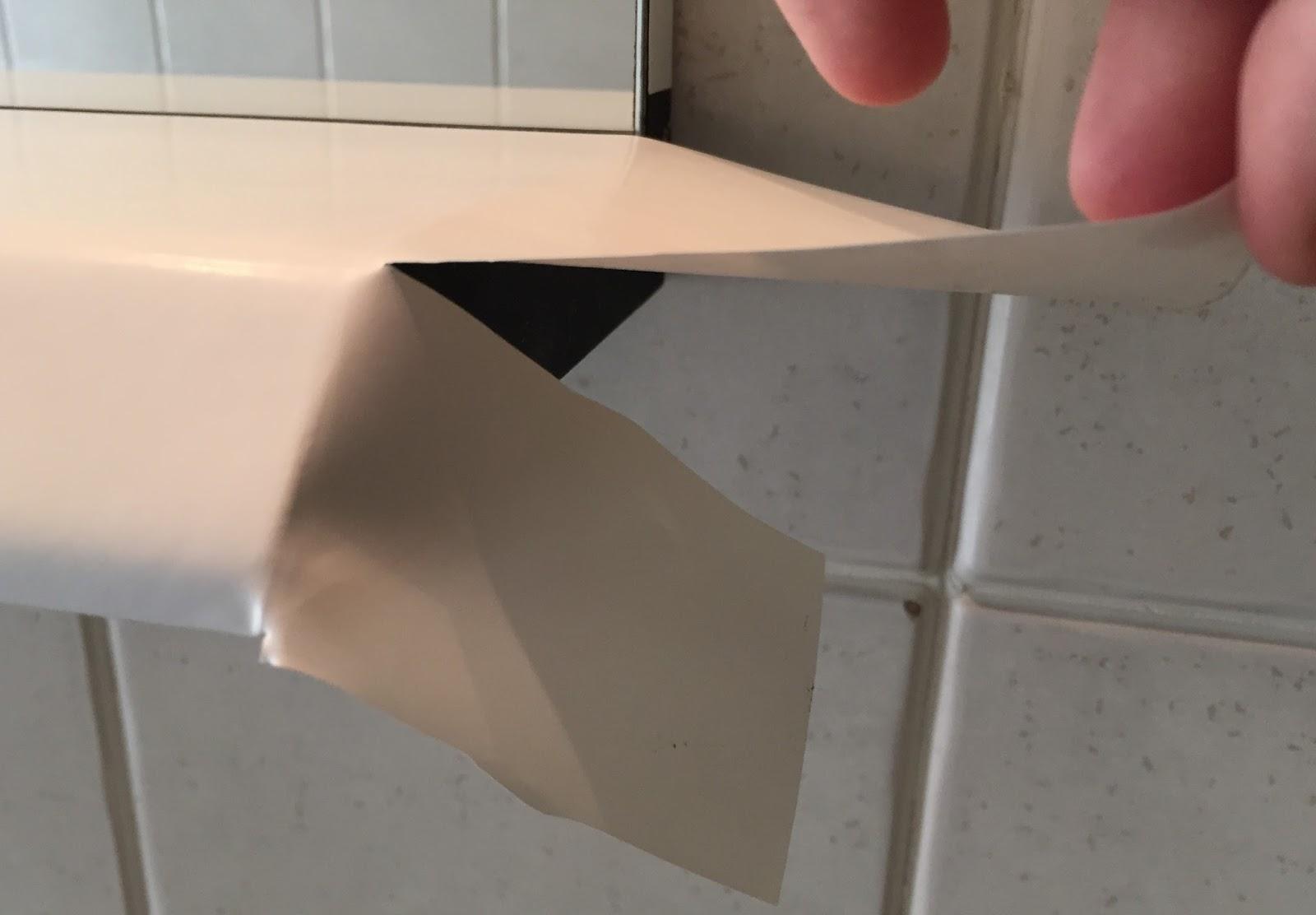 Rinnovare un mobile usando la carta adesiva - Soluzioni per casa