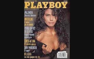 Famosa por estampar capas da revista masculina Playboy nos anos 90, Rosângela Caetano Silva foi encontrada morta na segunda-feira (3) dentro da própria casa em Campo Grande (MS). O corpo foi encontrado atrás da porta entre destroços de um incêndio.