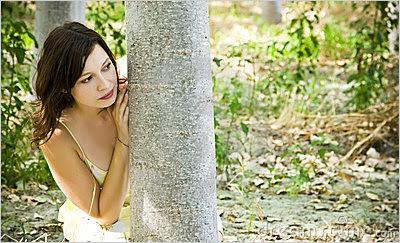 pique-esconde sinais corporais do desejo feminino linguagem corporal feminina sinais corporais