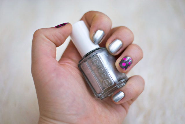 essie no place like chrome feather manicure