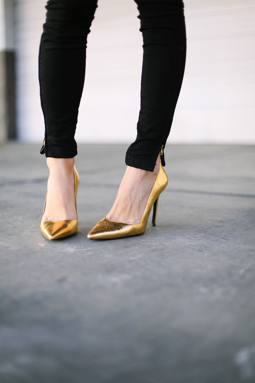 gold heels, holiday shoes, gold pumps,