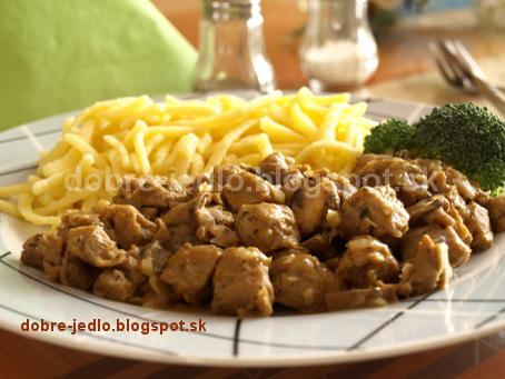 Chalupársky sójový guláš s cestovinami - recepty