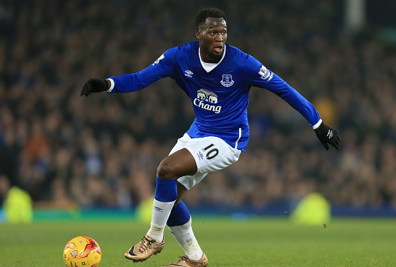 Manchester United keeping tabs on Everton striker Romelu Lukaku