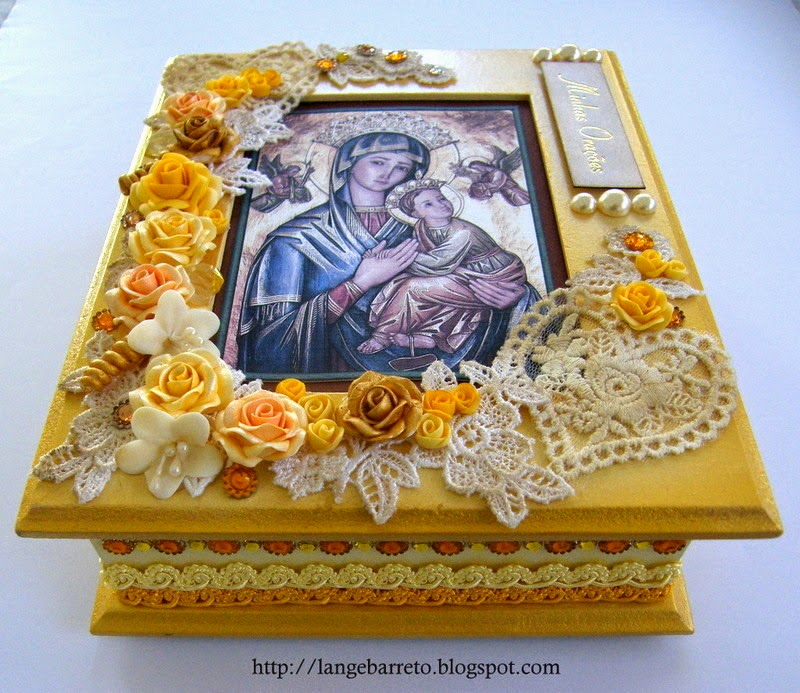 Caixa decorada flores de biscuit