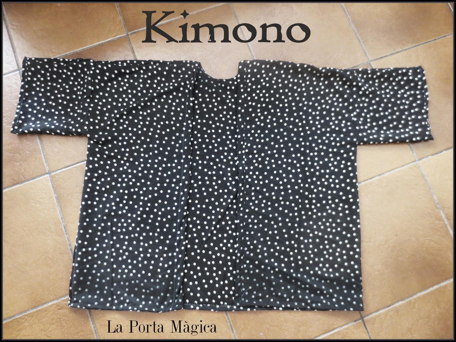 http://laportamagica.blogspot.com.es/2014/06/kimono-de-verano-diy.html