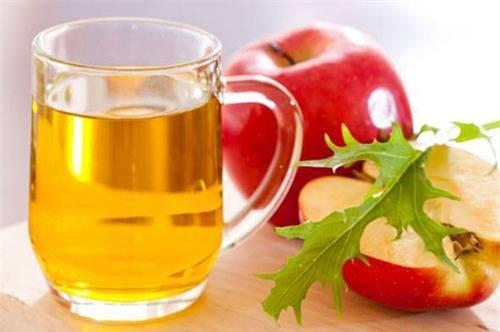 Cách trị mụn ở lưng bằng giấm táo