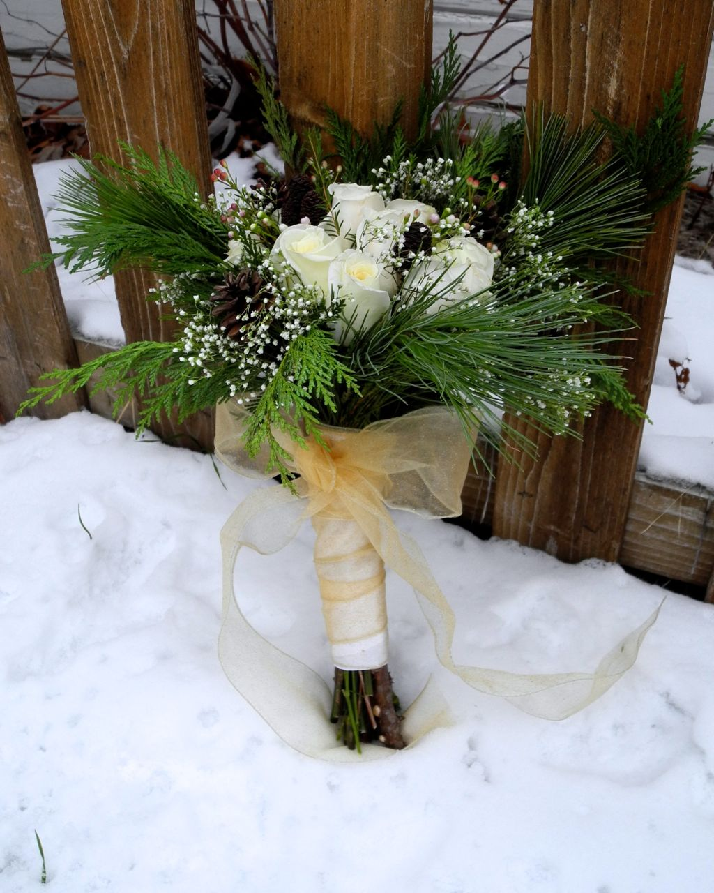 The Flower Girl Blog: white flowers and christmas greens