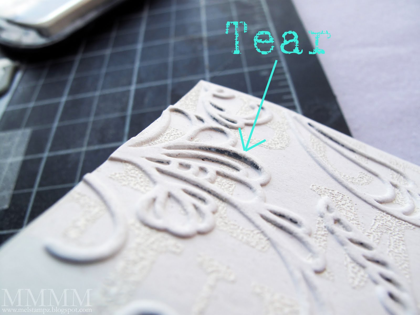 Cut out pressure embossing tutorial : embossed paper plates - pezcame.com
