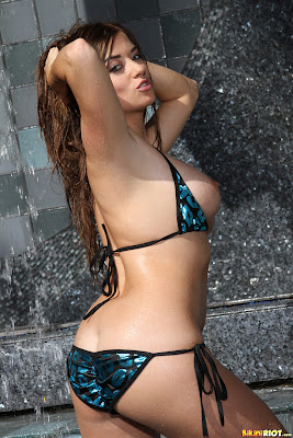 Taylor Vixen - Lipstick Scrunch Bikini_3