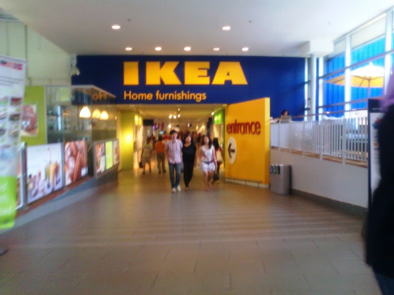 Menjamu mata di IKEA...